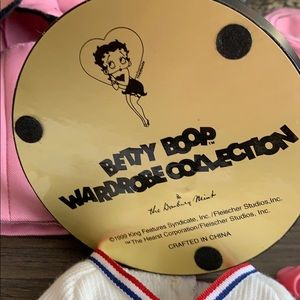 Betty Boop Other - BETTY BOOP DOLL, CLOTHES & wardrobe closet
